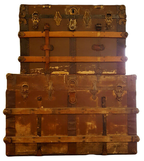 Antique Trunks | Uniquely Chic Vintage Rentals