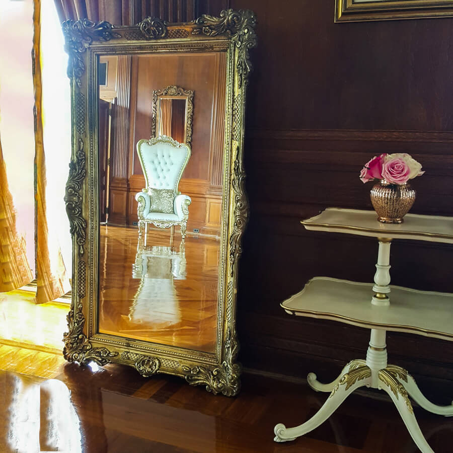 Large Antique Gold Mirror | Uniquely Chic Vintage Rentals