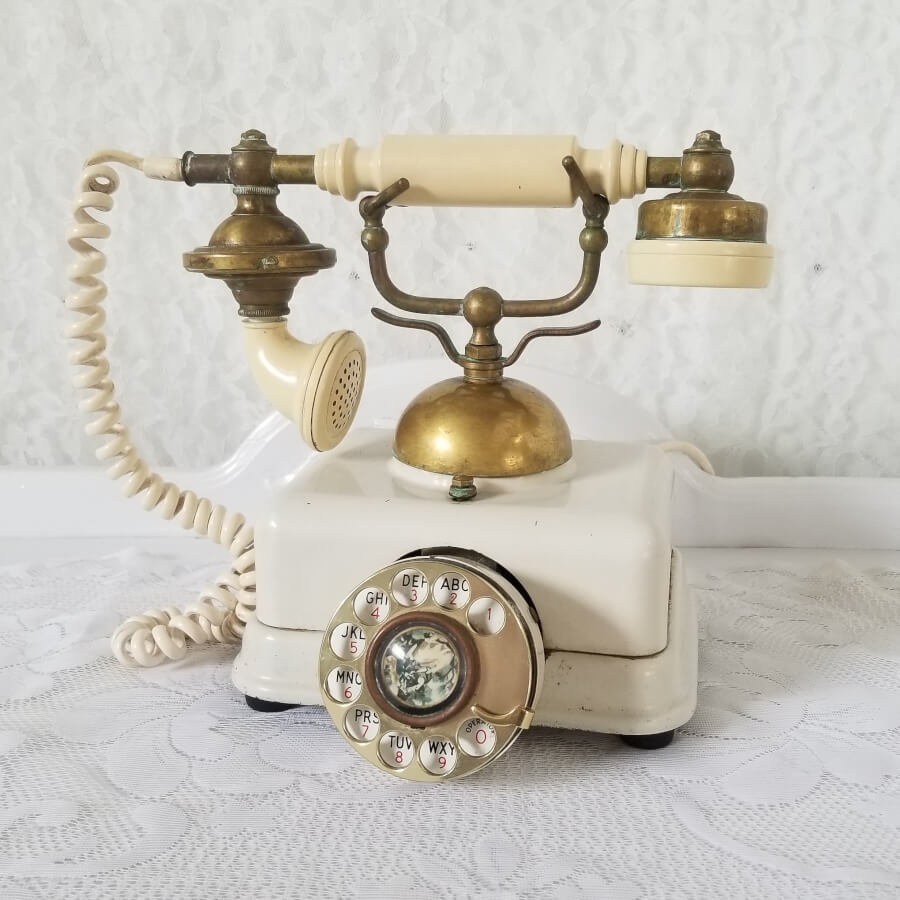 Antique Rotary Telephone | Uniquely Chic Vintage